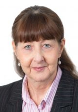 portrait photo of Linda Turnbull