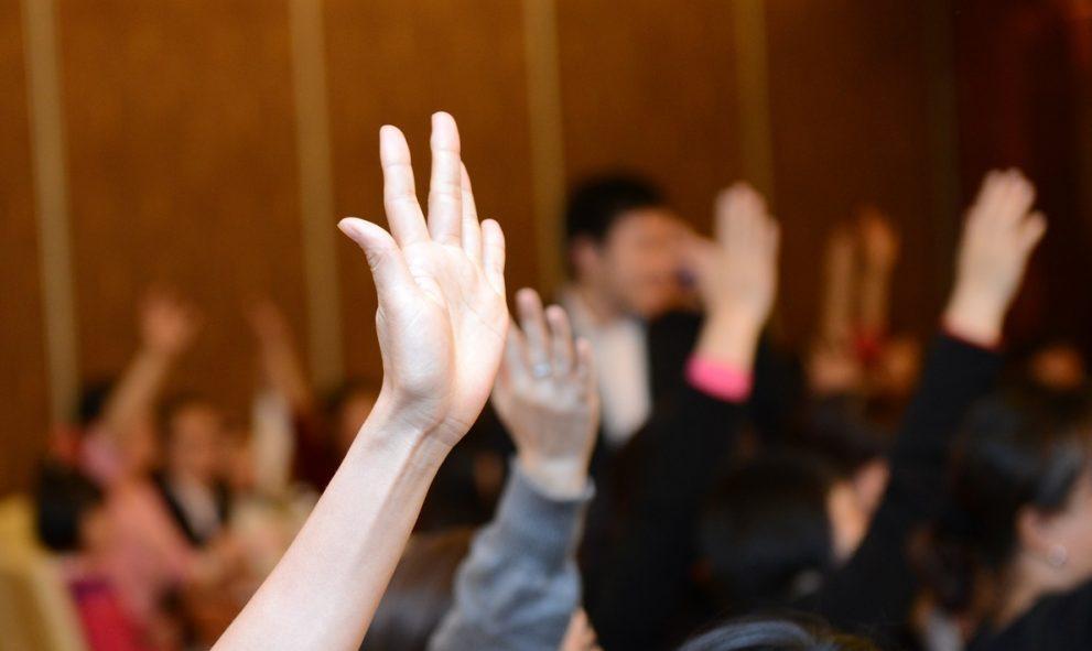 Raised hands voting